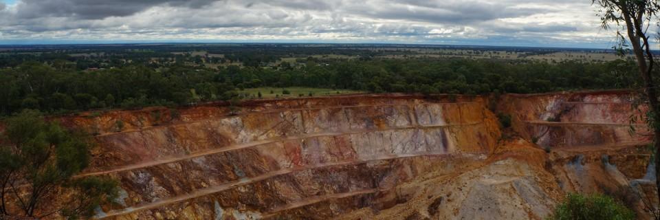 Hiking Peak Hill Open Cut Gold Mine